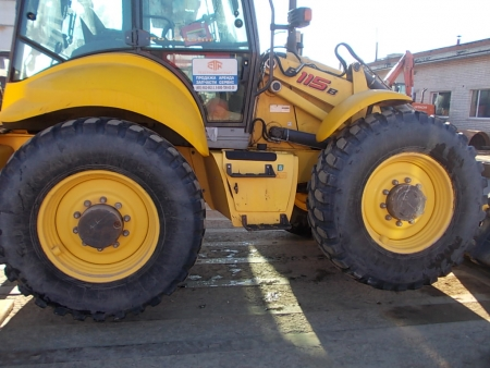 ekskavator pogruzchik new holland b115b